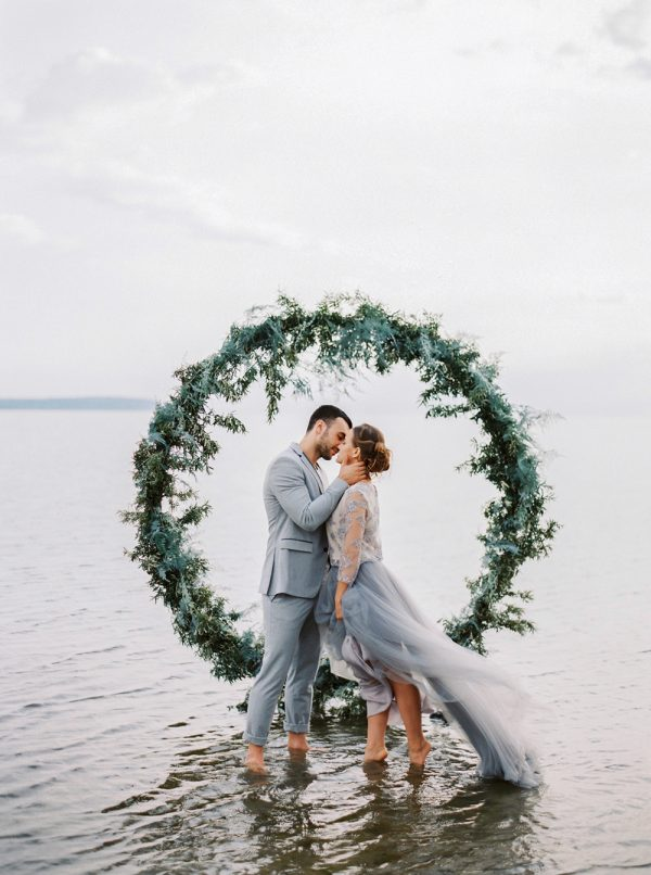 Modern Beach Wedding Vibes Moody Baltic Sea Wedding Inspiration - photo by Muravnik http://ruffledblog.com/moody-baltic-sea-wedding-inspiration