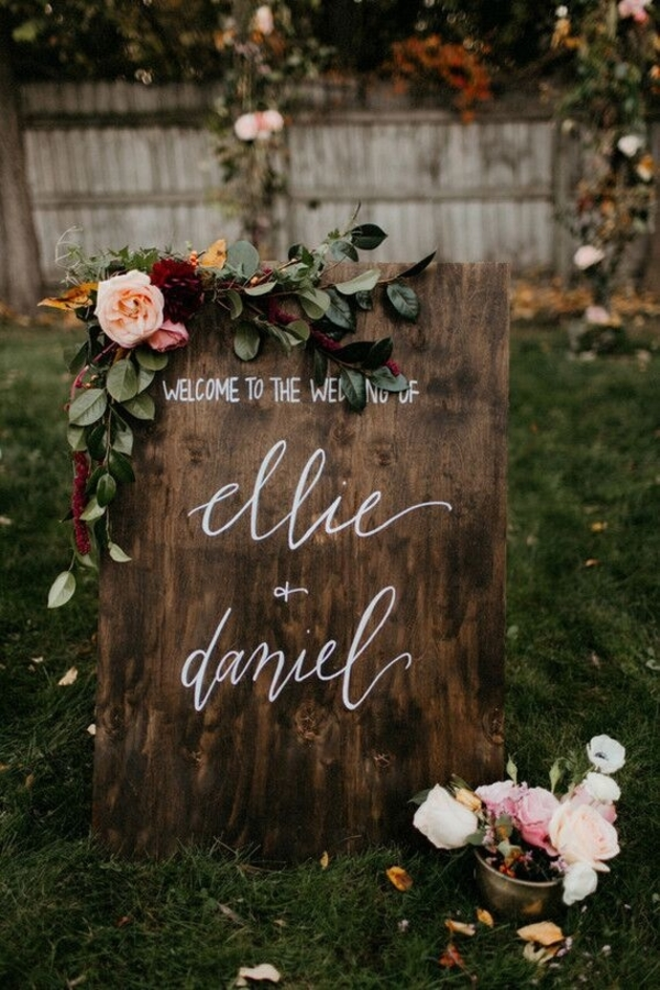 Swoon-Worthy Autumn Wedding Inspiration and Ideas 100layercake.com - jillianbowes.com