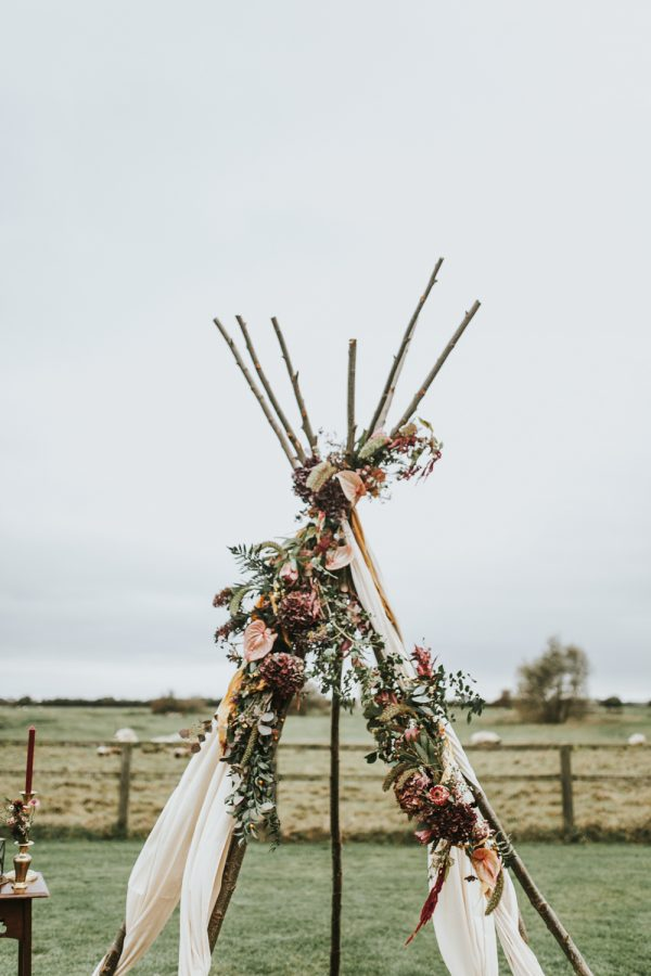 Swoon-Worthy Autumn Wedding Inspiration and Ideas rockmywedding.co.uk - darinastodaphotography.co.uk